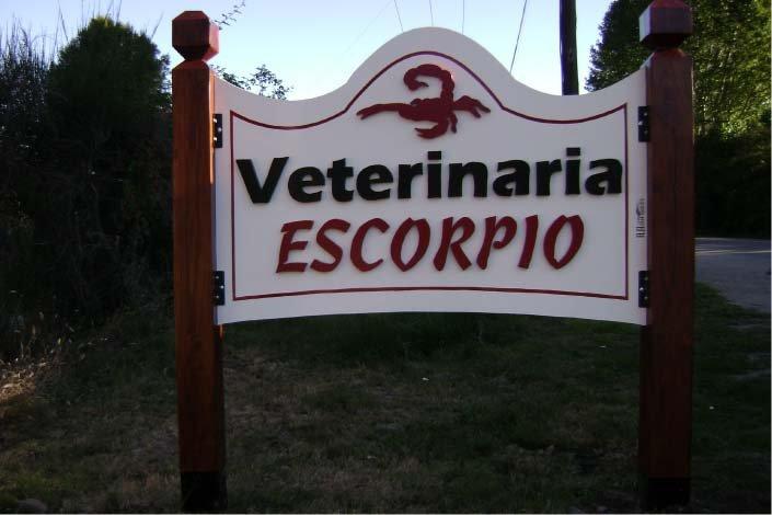 Cartel corpóreo - Veterinaria Escorpio - Lago Puelo - Provincia del Chubut - RA Carteles