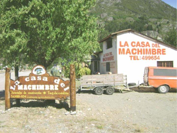 Muros Pintados - La Casa del Machimbre - Lago Puelo - Provincia del Chubut - RA Carteles