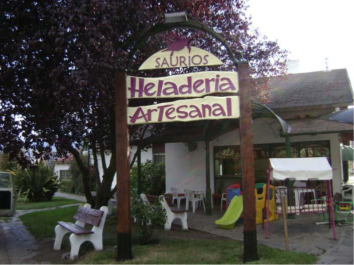 Carteles Pintados - Heladería Artesanal Saurios - El Bolsón - Provincia de Río Negro - RA Carteles