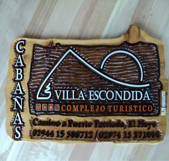 Tallados - Complejo Turístico Villa Escondida -El Hoyo - Chubut - RA Carteles
