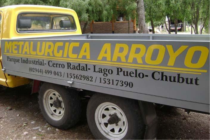 Vehículos - Camión de Metalúrgica Arroyo - Cerro Radal - Lago Puelo - Provincia del Chubut - RA Carteles